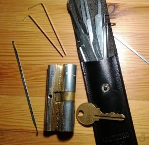 lockpicking_homemade_tools